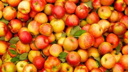 Сырые яблоки