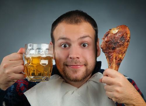 Алкоголь и жирная пища - причины обострений