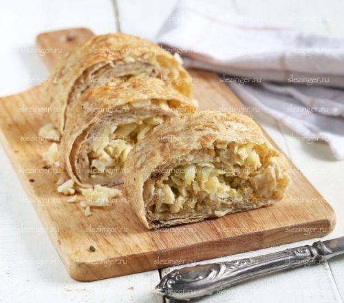 Пирог – рулет с капустой
