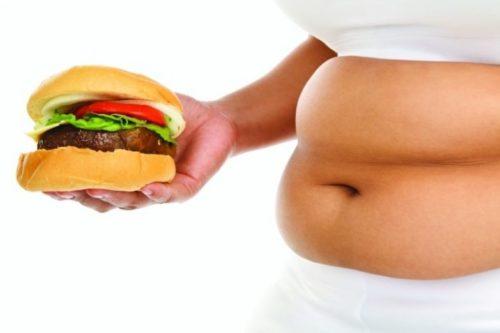 На здоровье печени существенное влияние оказывает частое употребление вредной еды