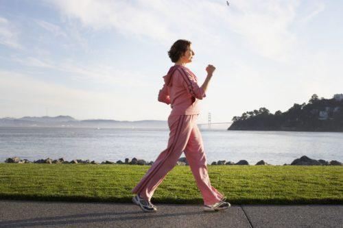 Не интенсивный бег или ходьба приветствуются