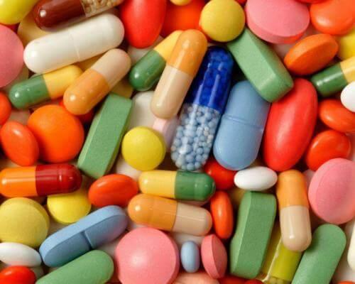 Медикаментозное лечение в виде витаминов