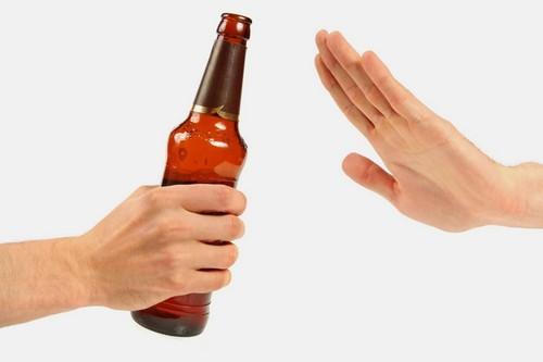 Профилактика включает в себя отказ от алкоголя