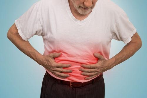 Заболевание у взрослых выявляется вздутием живота