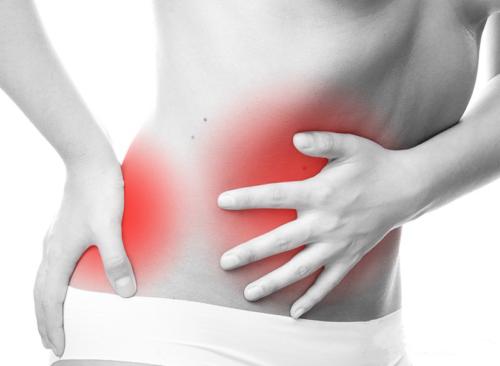При панкреатите боли отражаются по всей спине и животе