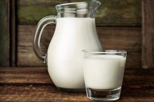 Молоко козы следует пить в теплом виде
