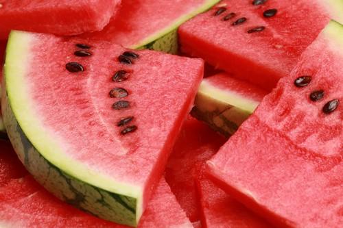 Кушать при панкреатите арбуз можно, но все должно быть в меру
