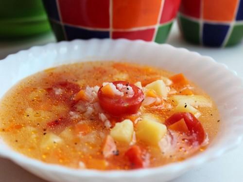 Суп с томатами