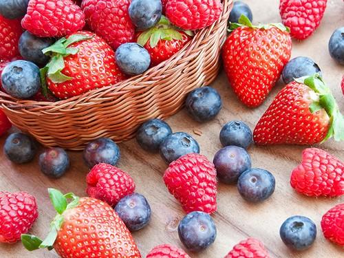 При хорошем самочувствии можно кушать любые ягоды